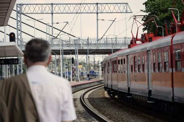 CFR Călători repune în circulaţie trenuri suspendate, de la 1 iunie