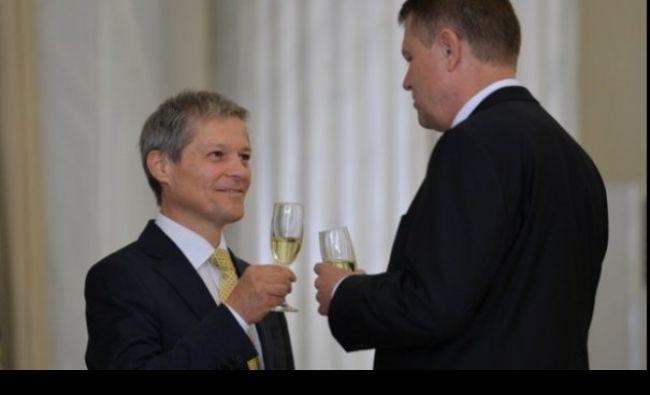 Dacian Cioloș, atac dur după fotografia cu premierul: Orban trebuie să-și ceară scuze