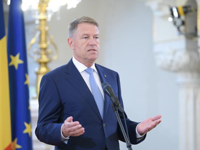 """Klaus Iohannis: """"Este nevoie de toţi românii, din ţară şi din străinătate, pentru a construi împreună România prosperă și sigură"""""""