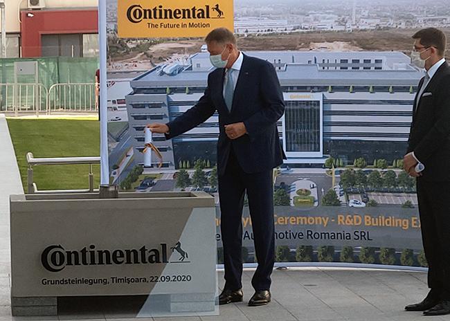 La aniversarea a 20 de ani de activitate în România, președintele Klaus Iohannis a acordat companiei Continental Ordinul Meritul Industrial și Comercial în grad de Ofițer