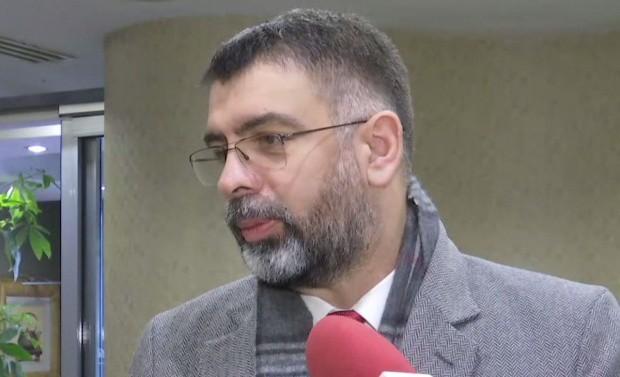 Cazanciuc: Iohannis a făcut declaraţii publice electorale PNL de la Palatul Cotroceni, încălcând Constituţia
