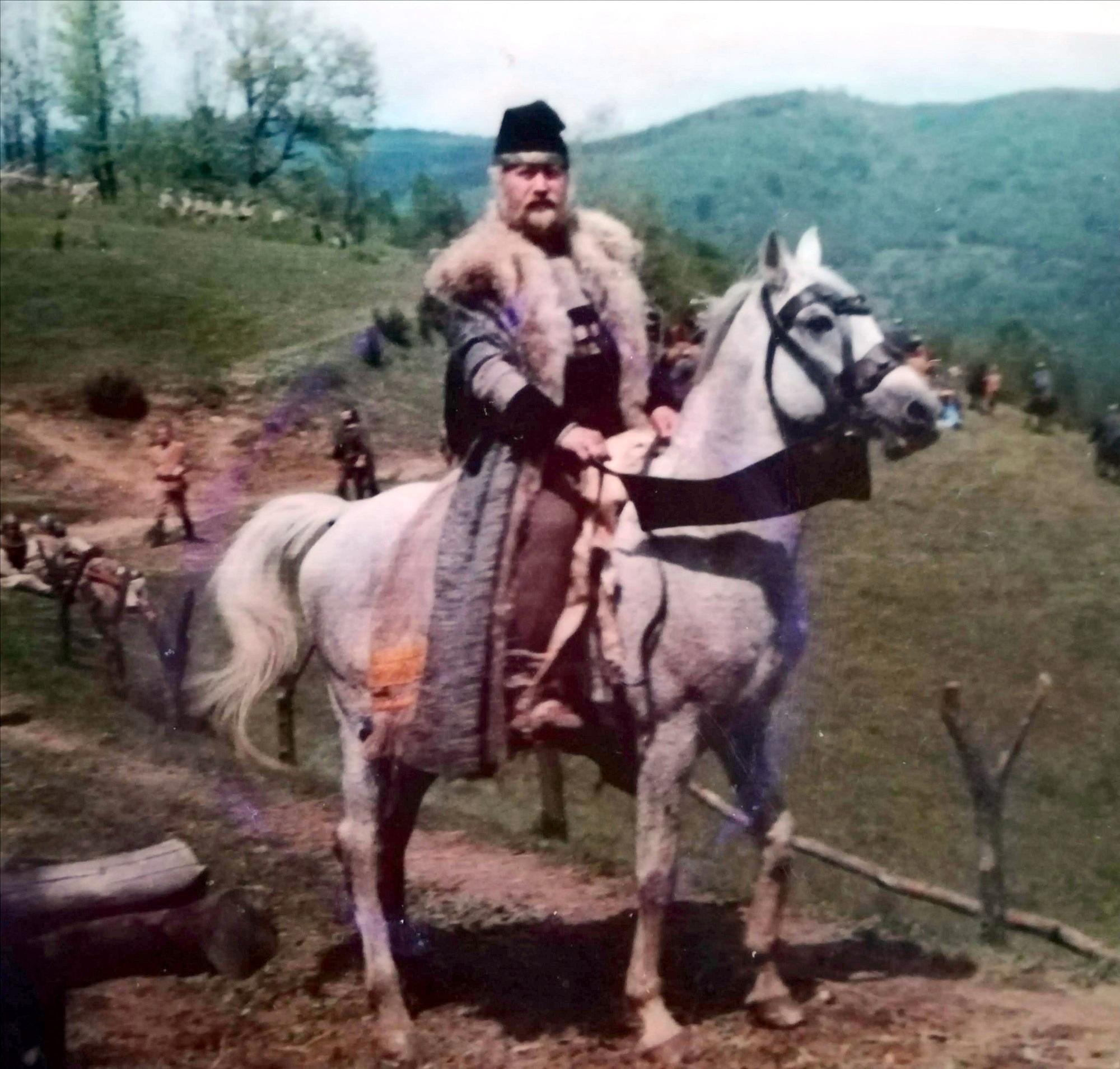 """Moartea unui cascador. Miron Murea. """"Viața are o singură dublă. Trăiți și trăiți frumos!"""". A jucat în Haiducii, Dacii, Burebista, Pintea, Iancu Jianu și alte 150 de filme. INTERVIU EXCLUSIV"""