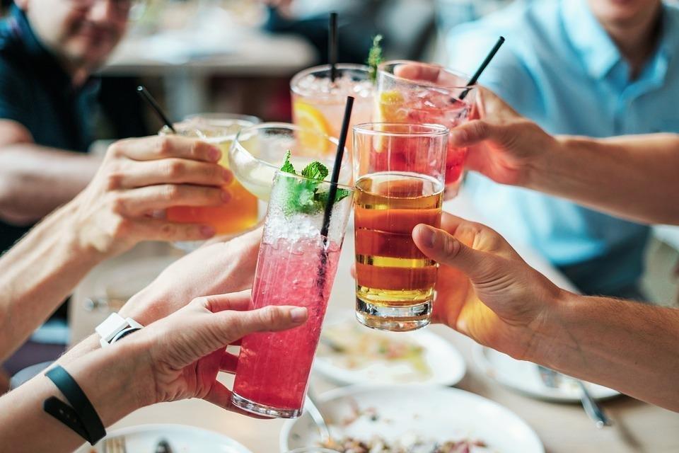 """Prefectul, către proprietarii de restaurante și baruri: """"Atenție maximă la ceea ce veți face în următoarea perioadă"""""""
