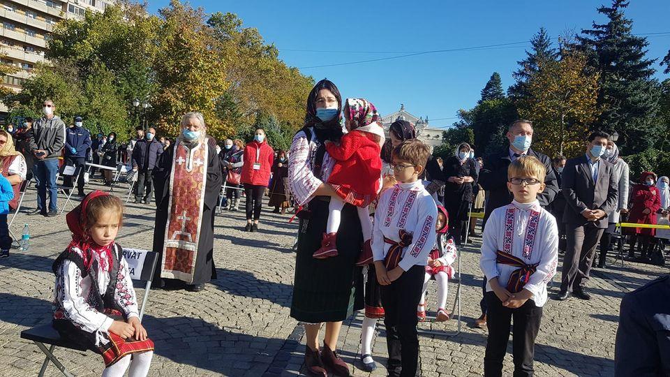 Imaginile zilei de la Sărbătoarea Sfintei Parascheva