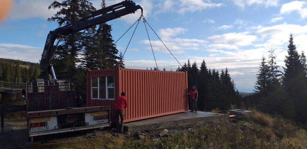 Au fost reamplasate containerele medicale de la punctul de prim ajutor de pe Buscat