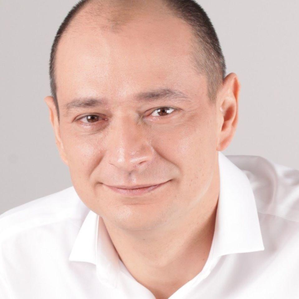 Daniel Băluță către ministrul liberal al apărării: felicitări!
