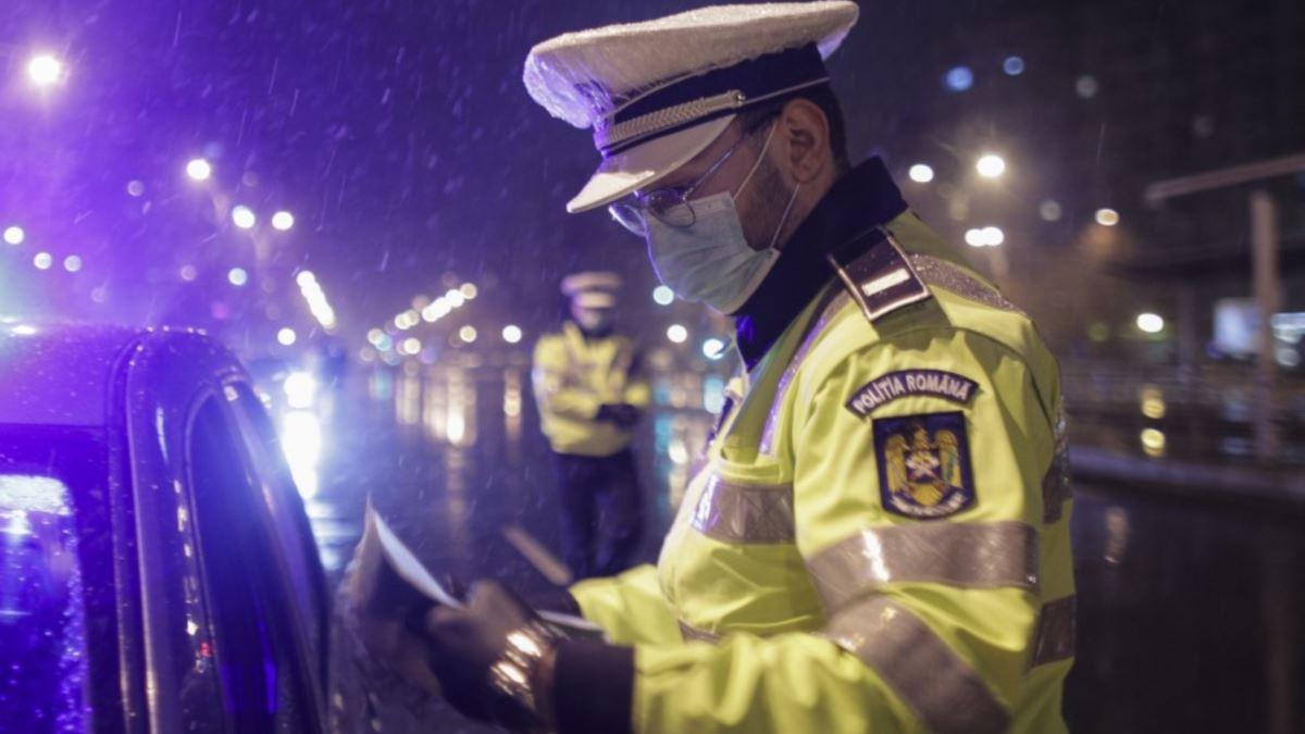 Trei dosare penale pentru brașoveni care au fugit din carantină și 260 de amenzi pentru nerespectarea obligativității purtării măștii de protecție în zone aglomerate – Biz Brasov