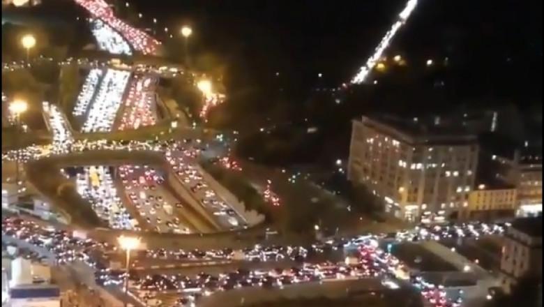 Marea fugă din Paris, de teama carantinei. La ieșirea din oraș s-au format cozi uriașe de mașini, gările și autogările sunt sufocate –
