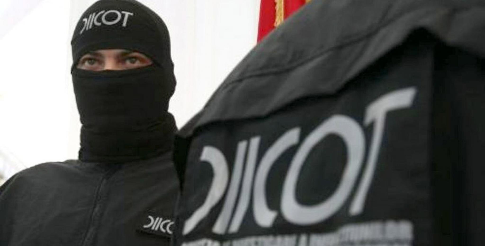 Noua retineri si peste 200000 de euro ridicati in urma descinderilor printre contrabandisti si politisti de frontiera