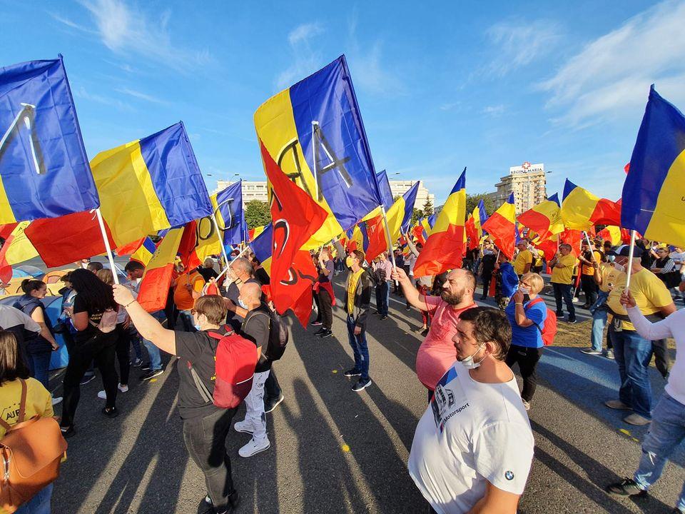 CONSTANȚA. Jandarmeria a amendat AUR-ul lui George Simion pentru că așa au vrut reporterii Antena3