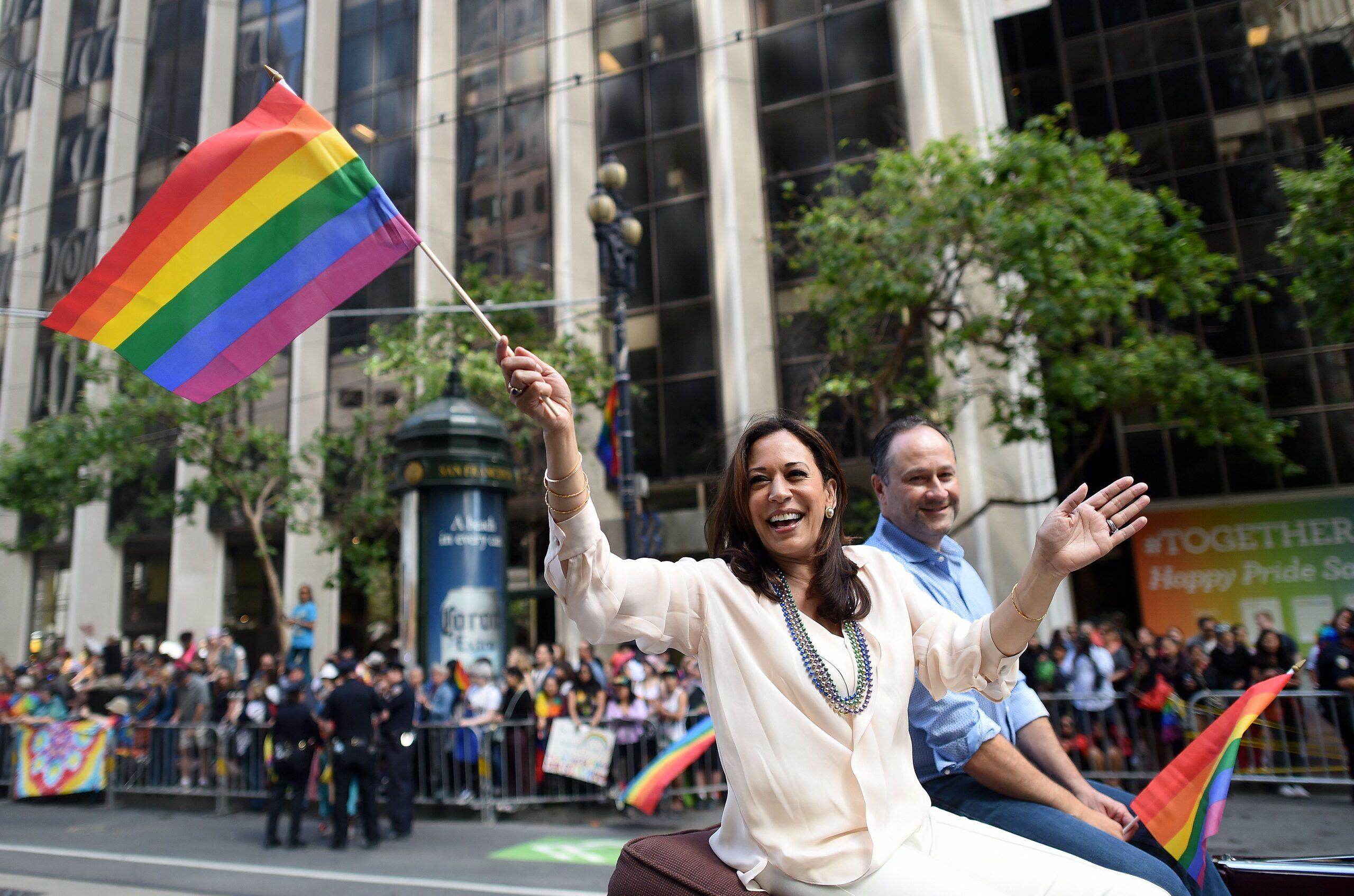 Kamala Harris ar putea fi primul președinte femeie și de culoare al Americii, cu Agendă pro-LGBT clară. Trump: În 2019 actuala vice a lui Biden a fost considerată cel mai progresist politician al anului