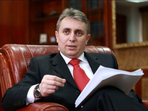 Pedeapsă divină? Ministrul Lucian Bode s-a infectat cu COVID