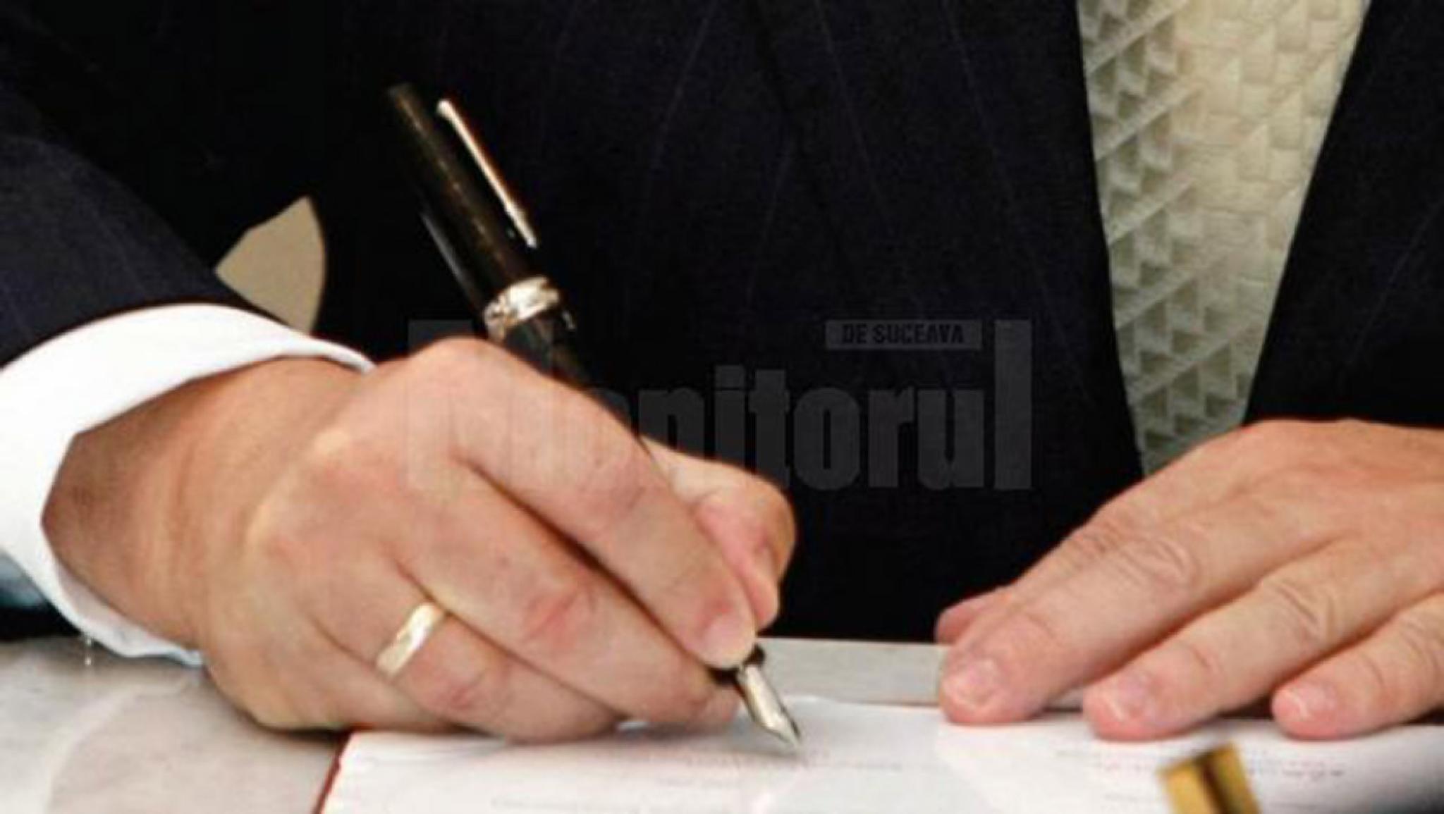 Directorul Politiei Locale Radauti destituit de primarul Bogdan Loghin