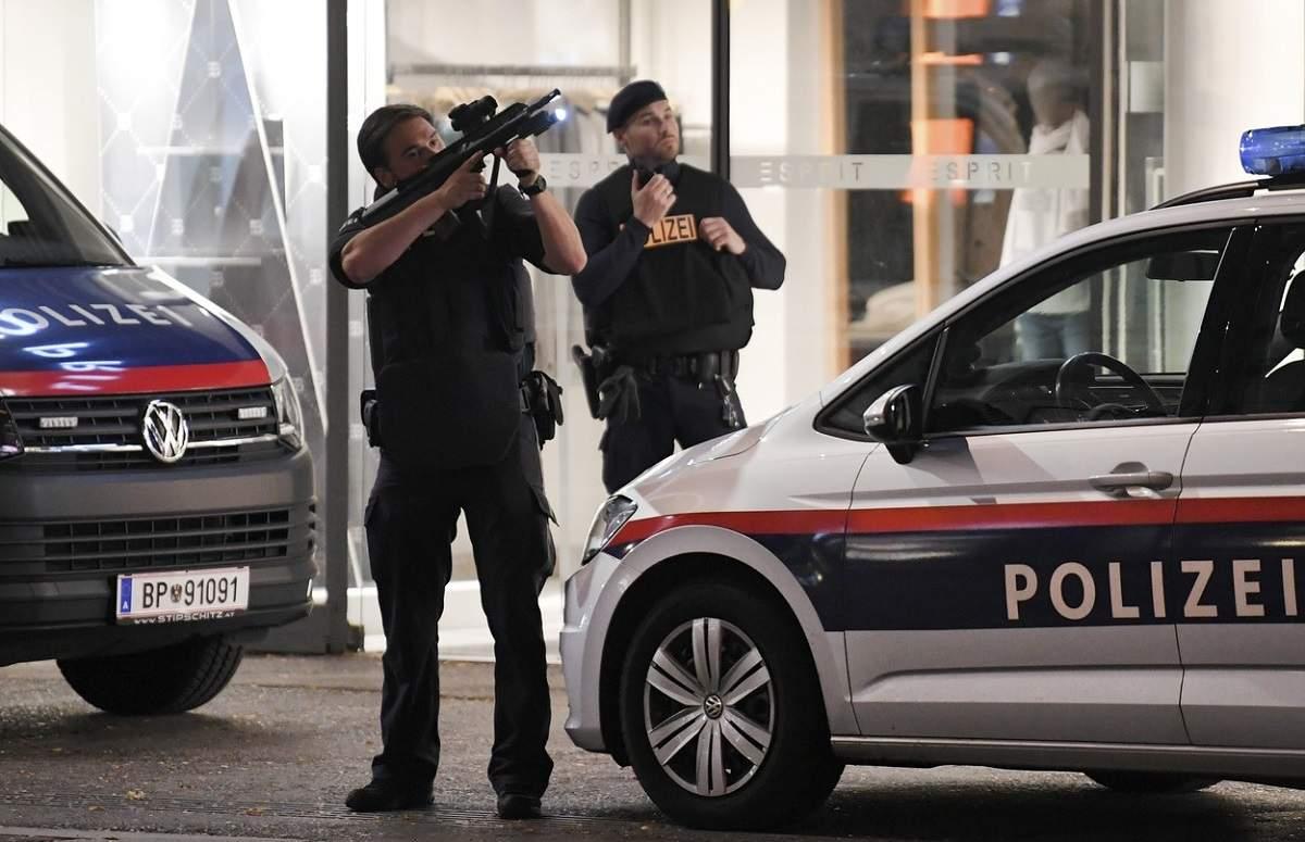 Cel puțin 4 morți și 15 răniți, după atacul terorist din Viena. Unul dintre agresori, în continuare liber pe străzi