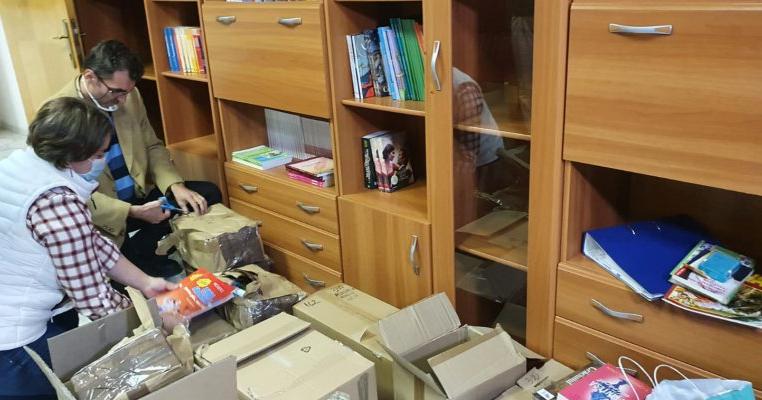Copiii și părinții din comuna Grădinari au acum o bibliotecă nouă cu cărți