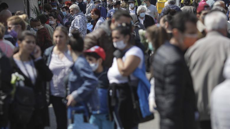 OMS: Carantina ar putea fi evitată dacă 95% dintre oameni ar purta mască de protecție, în loc de 60% ca acum