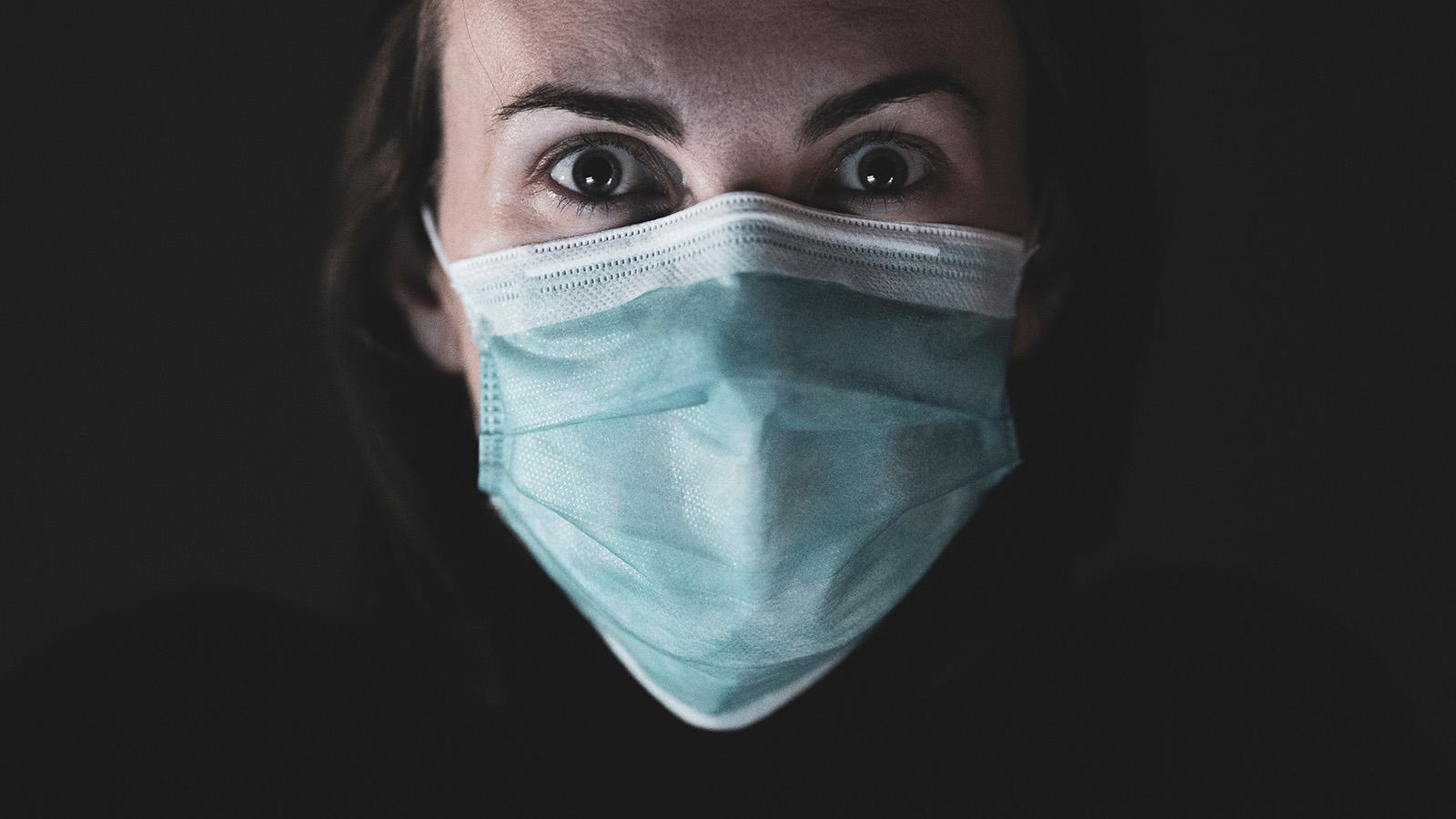 Care este cel mai eficient material pentru o mască ce te protejează de virus