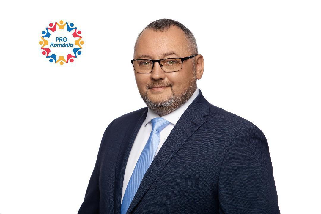 """Valentin Olivian Trofin (PRO România): """"Cabinetele medicale din școli pot fi sprijinul de care avem nevoie pentru a combate pandemia!"""""""