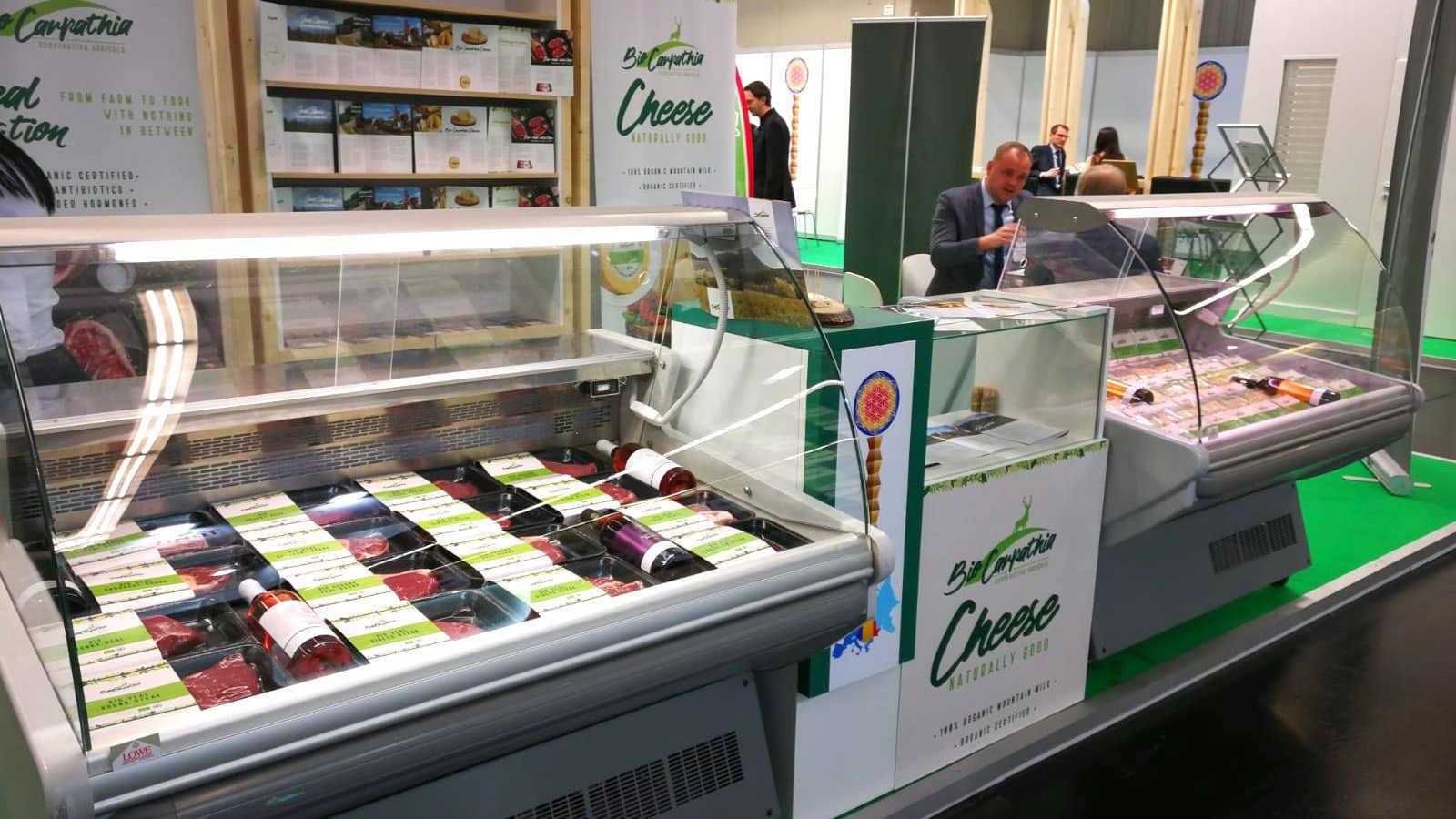 """Fermierii de la Bio Carpathia deschid un magazin mobil la Brașov/ """"Testăm conceptul la noi acasă, după care ne putem extinde regional"""" – Biz Brasov"""