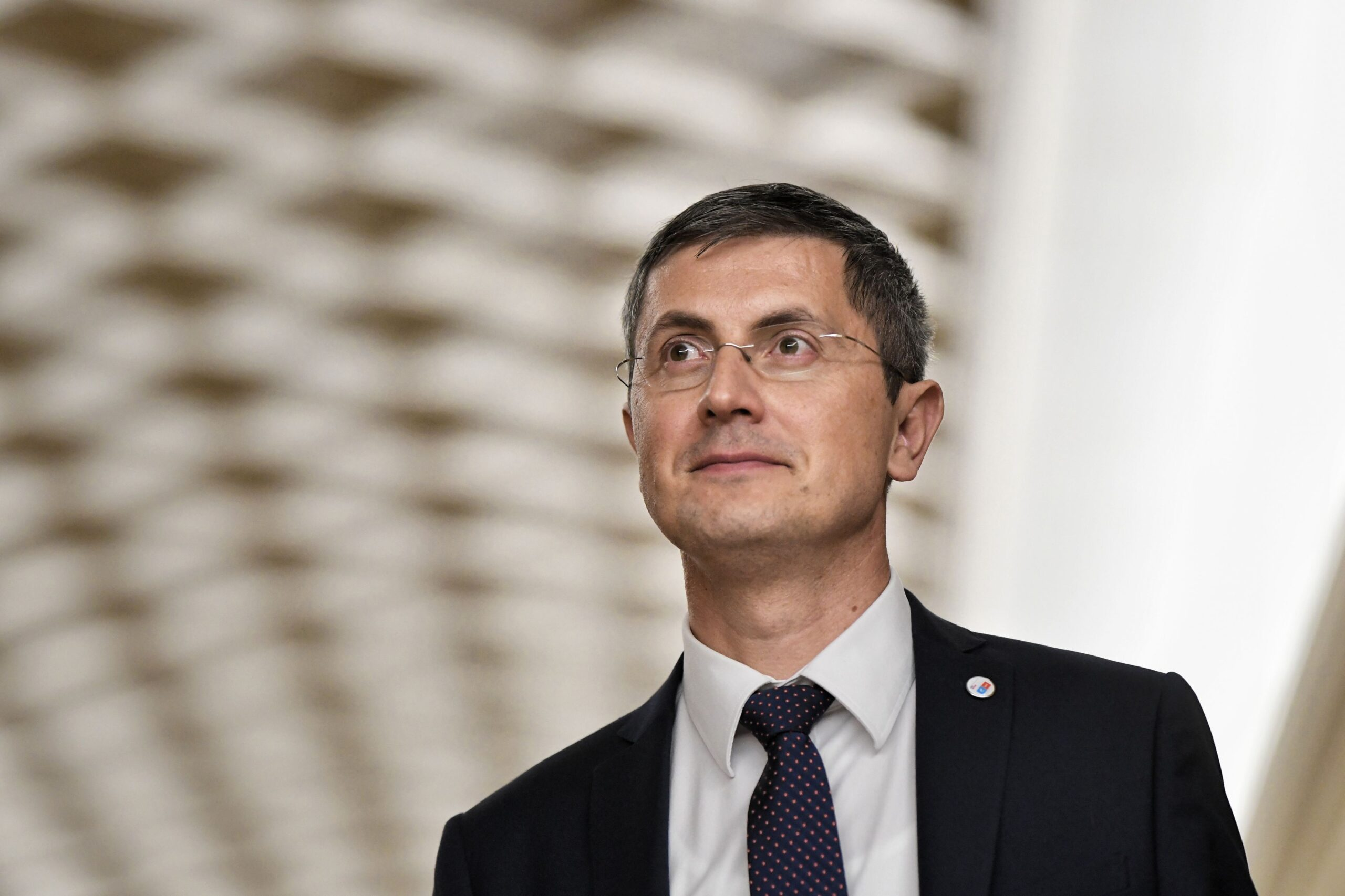 Dan Barna penalizat pentru absențe în parlament. Alți 5 colegi din USR au primit aceeași sancțiune