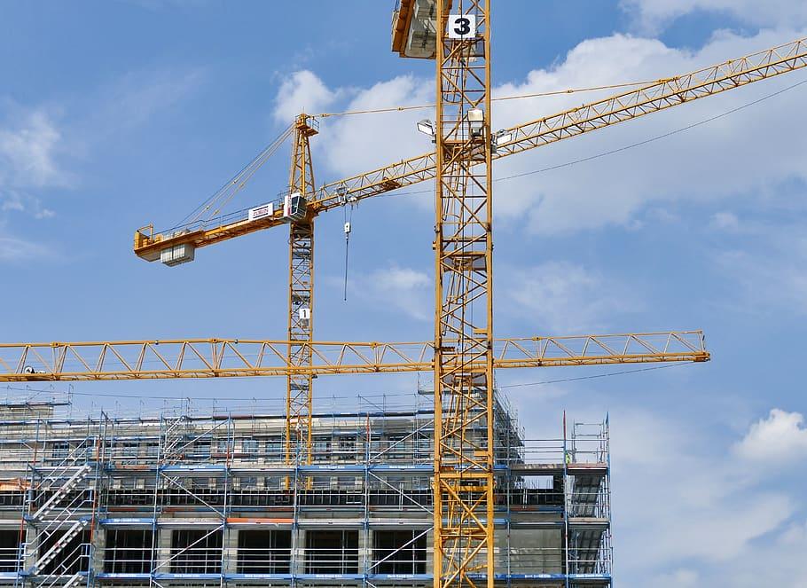 Mai multe autorizatii pentru construirea de cladiri rezidentiale