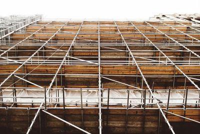 De ce intarzie renovarea cladirilor si care este solutia