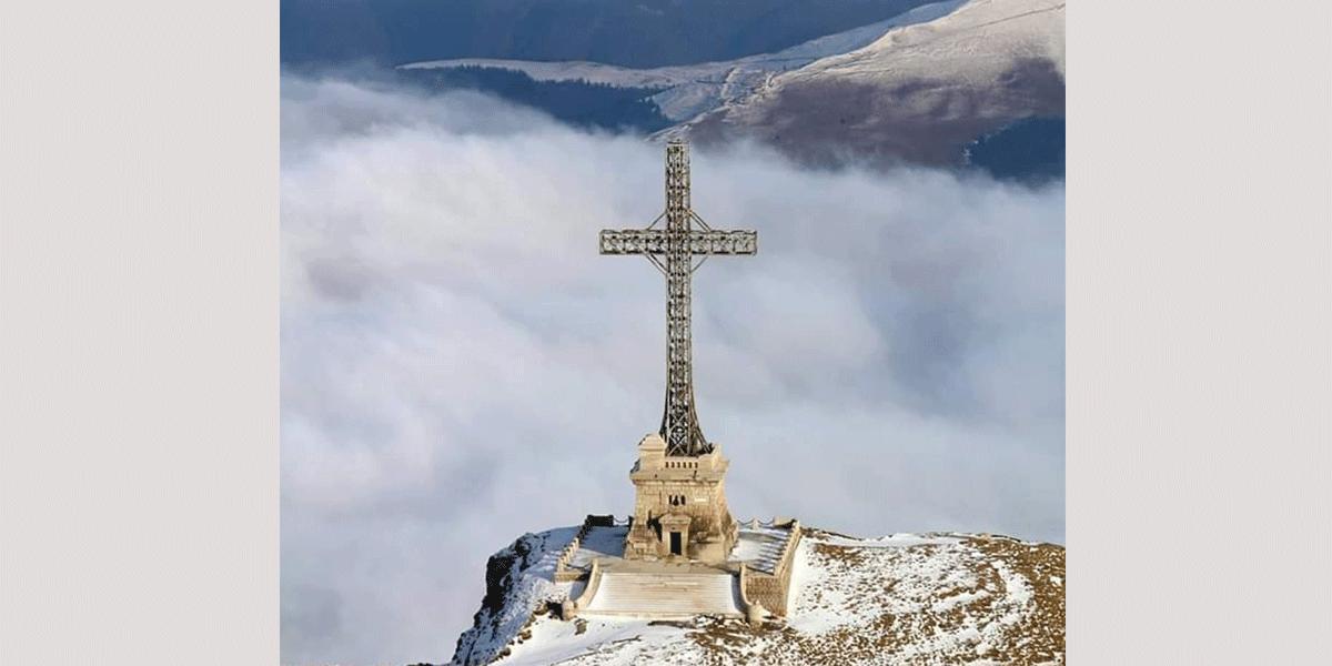 """(VIDEO) """"Crucea Caraiman"""", mărturia unui veac de istorie, a fost resființită ©"""