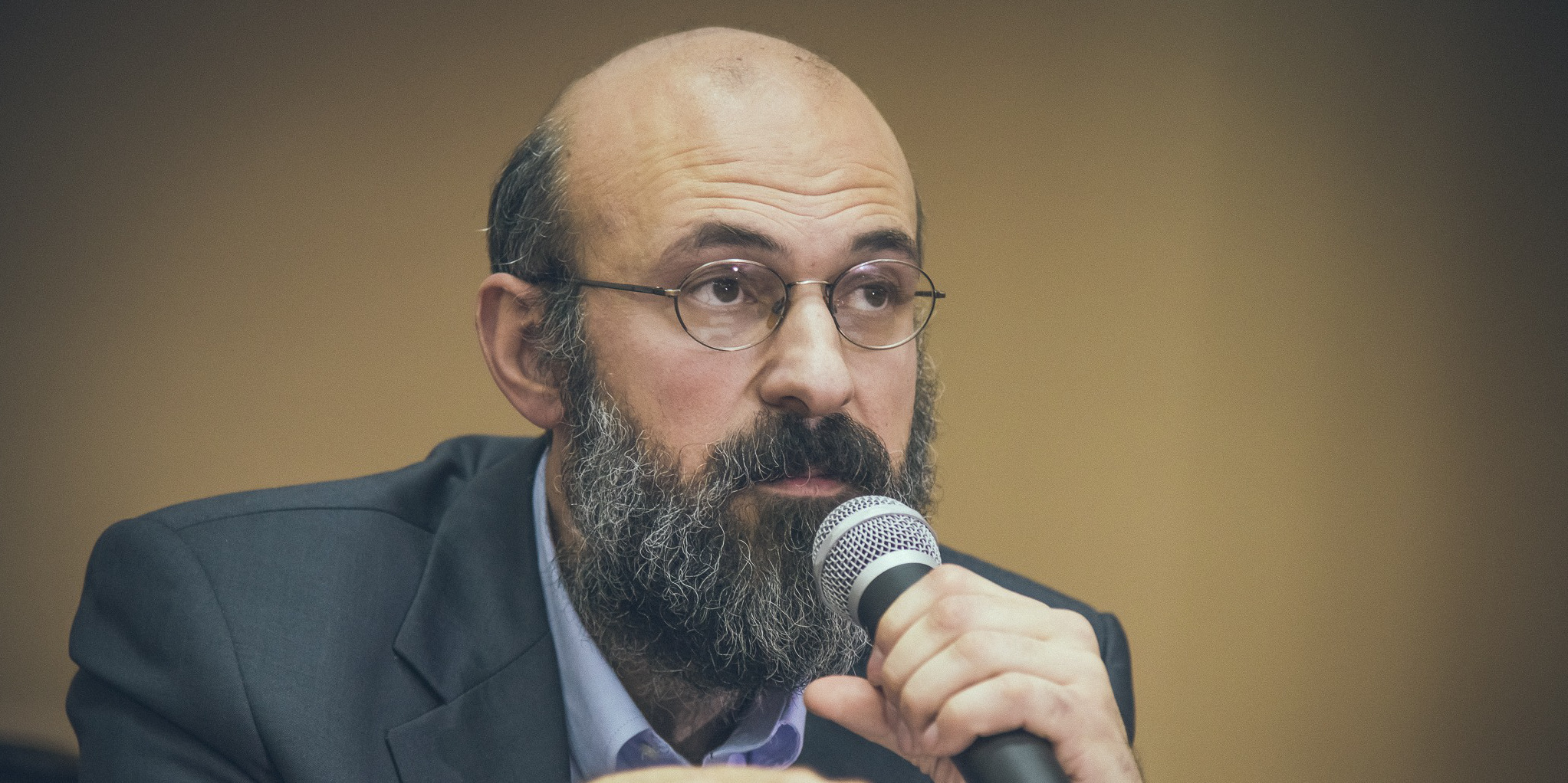 """Dr. bioetician Virgiliu Gheorghe: """"Dacă s-ar trata boala de la început, nu ar mai muri oamenii de Covid-19"""" (II)"""