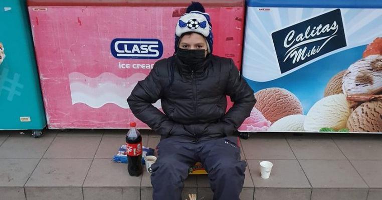 """""""El e Ionuț și vinde usturoi ca să își ia de mâncare."""" Cazul elevului de clasa a șasea care a alertat autoritățile"""