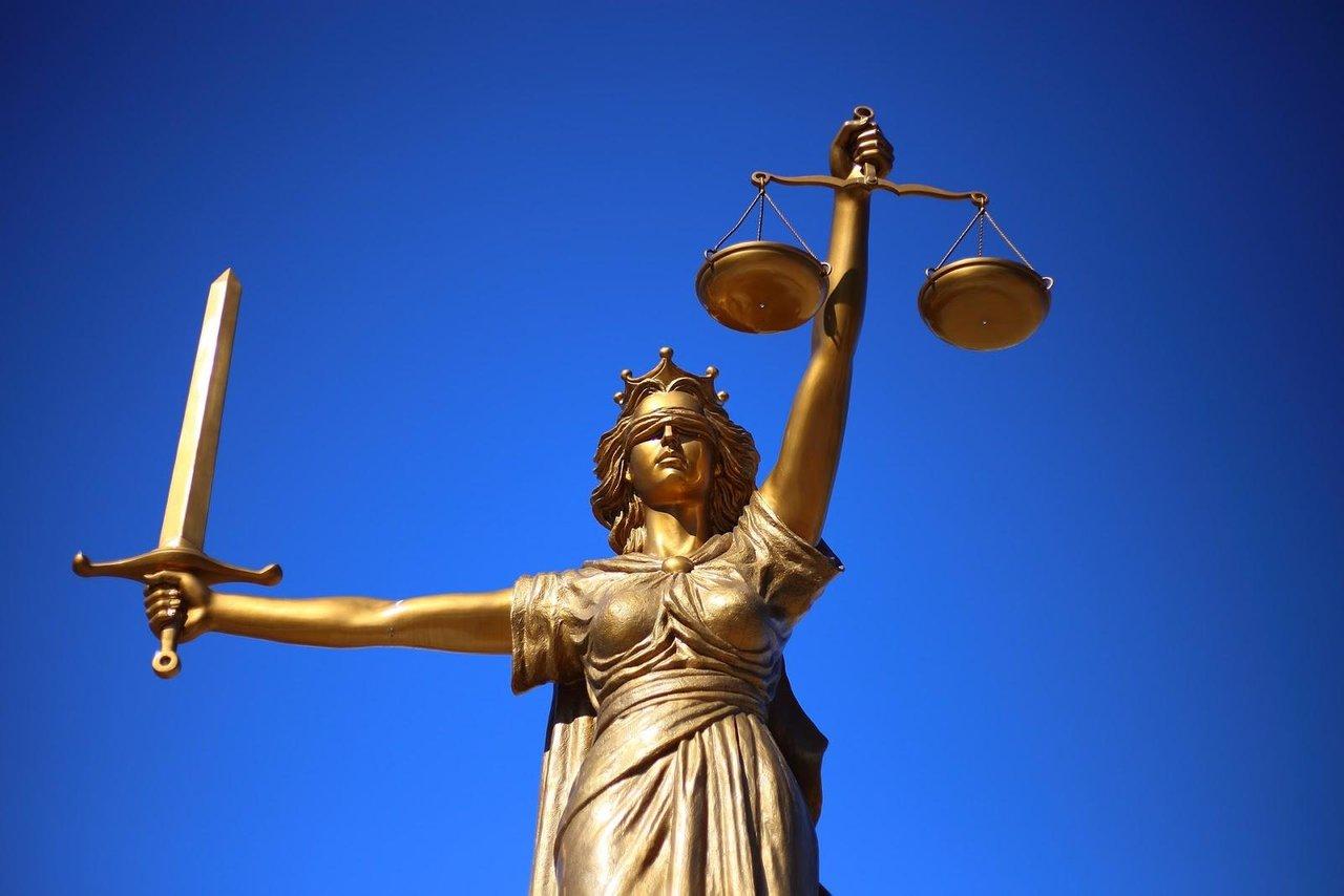 Un judecător din SUA a admis că un vânzător poate refuza un cuplu homosexual dacă religia nu îți permite acest lucru