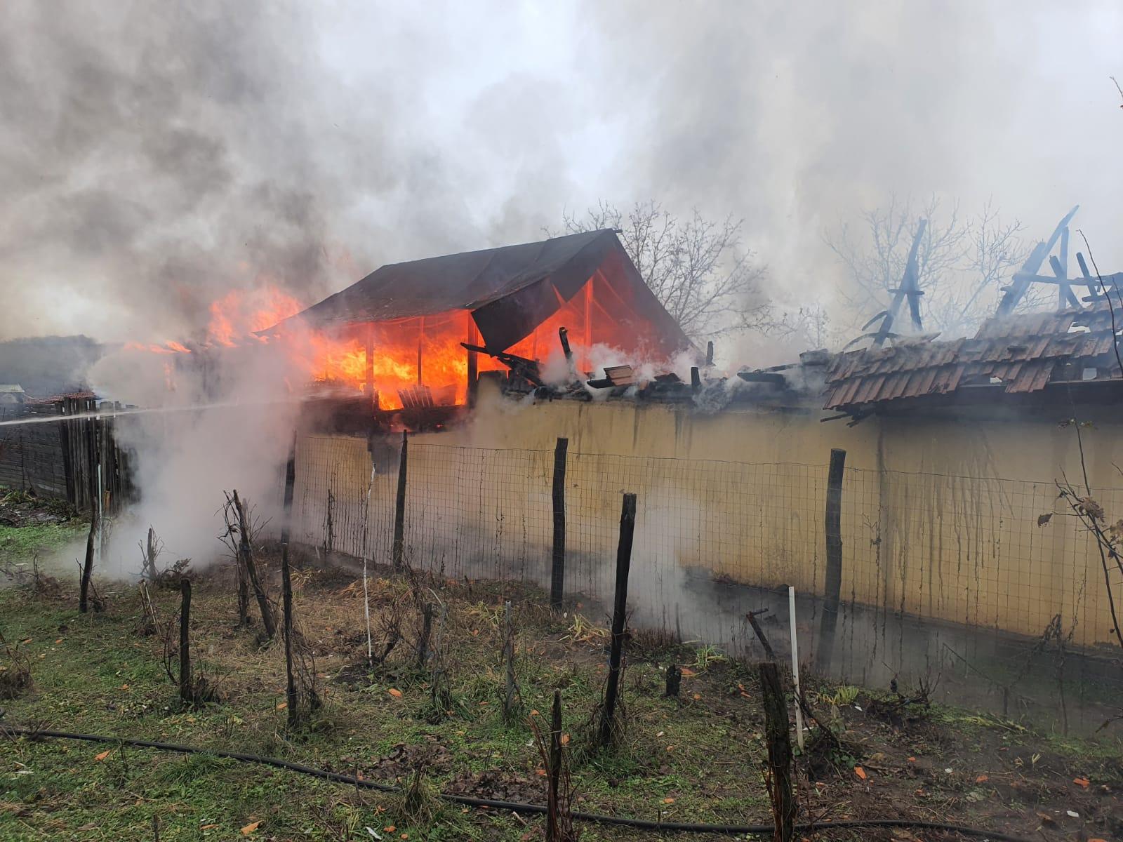 Casă în flăcări lângă Craiova – Gazeta de Sud