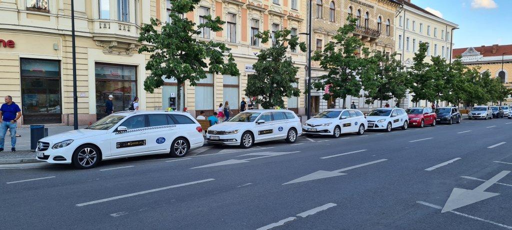 Taxiurile din Cluj, obligate la plata cu cardul din 2021