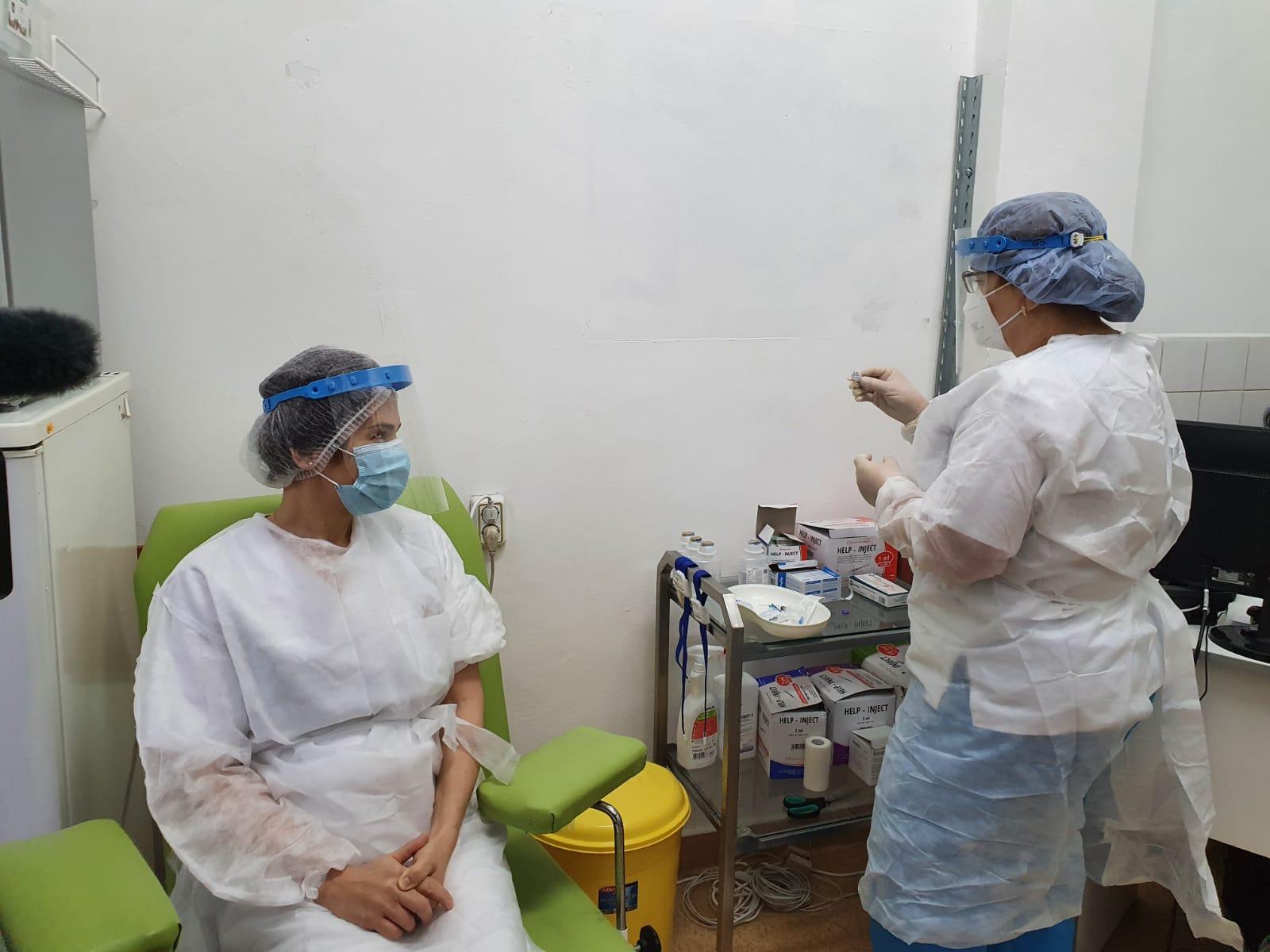 Spitalele COVID din Brașov ar urma să înceapă vaccinarea personalului în ultimele ore ale acestui an – Biz Brasov