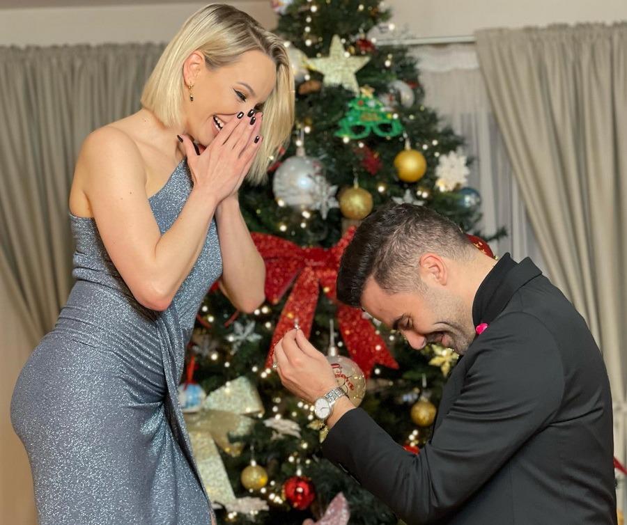 Sandra Izbaşa a fost cerută de soție chiar în ziua de Crăciun. Semărită cu nepotul lui Ştefan Bănică jr. (FOTO)