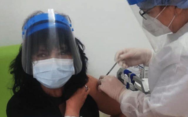 """Campanie a Ministerului Sănătății pe Facebook: """"Deja te-ai vaccinat? Postează aici o fotografie""""/ O brașoveancă cere oamenilor să aibă încredere în doctori – Biz Brasov"""