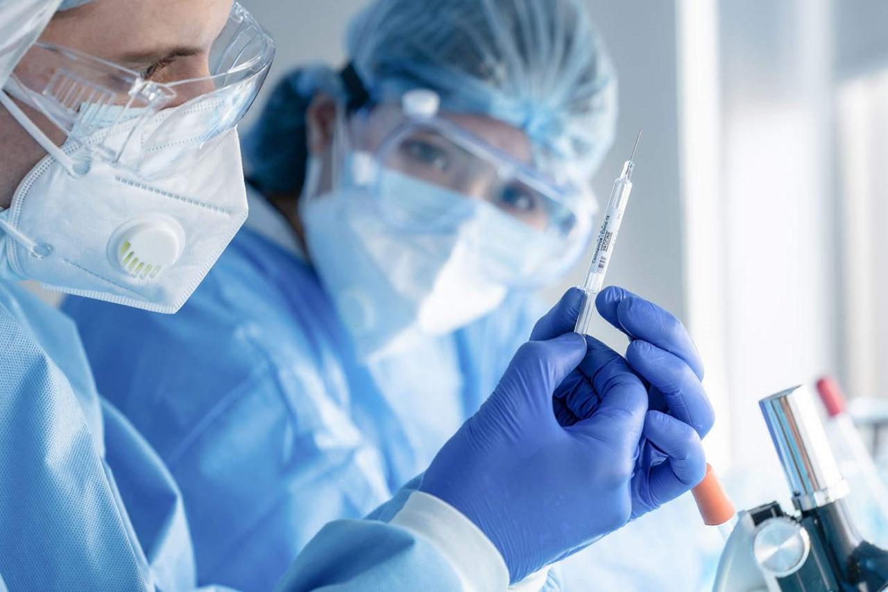 De ce vaccinurile COVID-19 sunt o victorie a științei?
