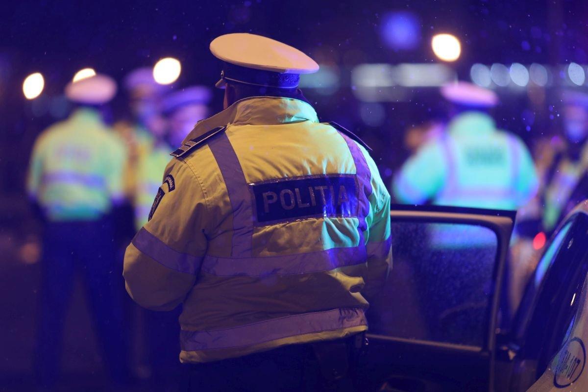 """A crescut numărul celor care """"se plimbă"""" noaptea. Polițiștii și jandarmii au dat ieri amenzi de peste 16.000 de lei pentru nerespectarea măsurilor de protecție sanitară – Biz Brasov"""