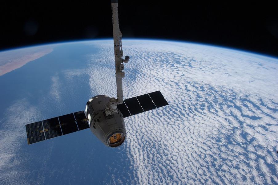 Sateliți din…lemn? Cercetătorii japonezi au anunțat un proiect cu potențial revoluționar
