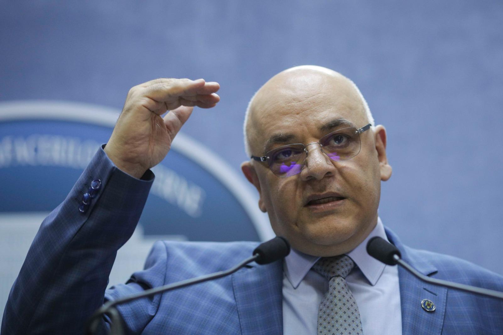 """Matei Alexandru, de la Anchetatorii.ro: Arafat este un """"cancer"""" pentru România, de care nu mai putem scăpa"""