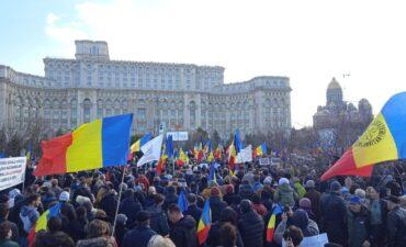 Protest împotriva vaccinării obligatorii și a restricțiilor: 20 000 de persoane prezente