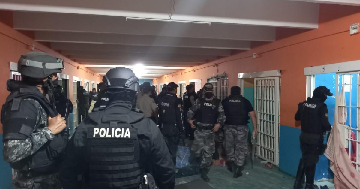 """Masacru într-o închisoare din Ecuador: peste 100 de deținuți au fost uciși. Preşedintele a decretat """"situaţie excepţională"""""""
