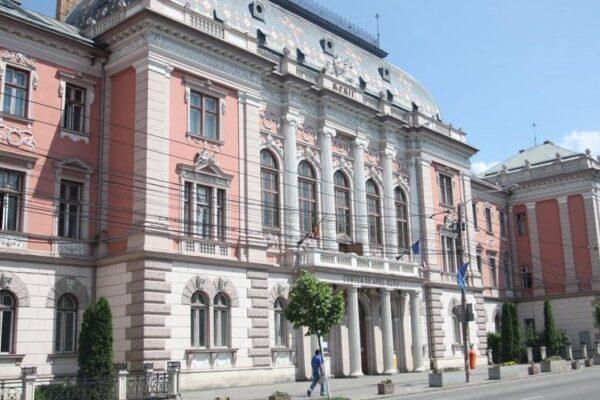 """Cum motivează Curtea de Apel Cluj anularea impunerii certificatului verde: """"S-a introdus indirect vaccinarea obligatorie"""""""