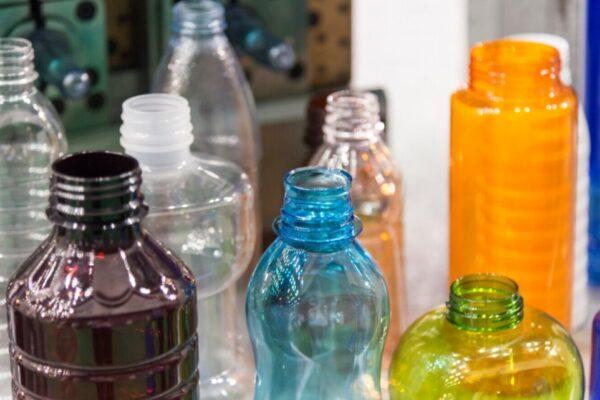 Guvernul  a aprobat garanția de 50 de bani pentru orice sticlă sau PET
