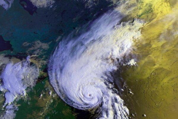 Ciclonul tropical Shaheen a lovit coasta Omanului