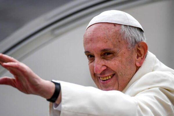 Papa Francisc a demarat consultările pentru reformarea Bisericii Catolice