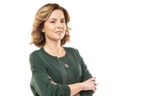 """ZF Live. Mădălina Stănescu, fondatoarea agenţiei de marketing Optimized. """"Am văzut multe companii care şi-au mutat activitatea în mediul online, iar acest lucru a dus la o creştere de 20%-30% a costului pe click. Estimăm afaceri de circa 250.000 de euro la final de 2021. Avem deja o creştere de 40%."""""""